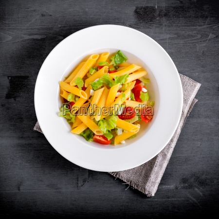 penne pasta salad with fresh tomato