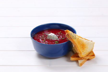 beetroot cream soup with toasts