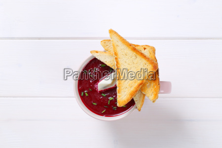 beetroot cream soup with toast