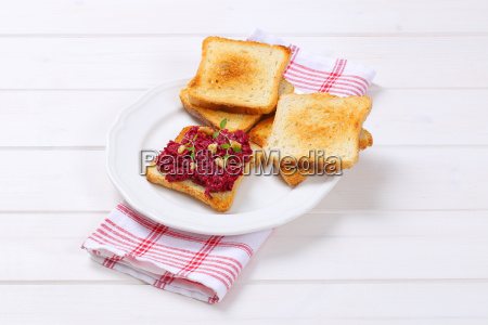 toasted bread with fresh beetroot spread