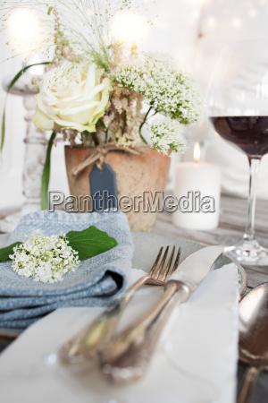 table decoration for a festive dinner