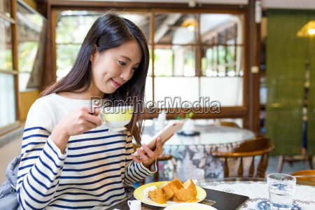 woman, enjoy, coffee, in, cafe - 22648205