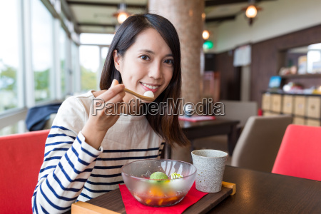 woman, enjoy, japanese, dessert - 22648019