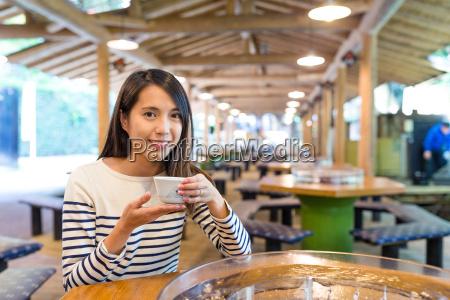 woman, having, japanese, somen - 22648243