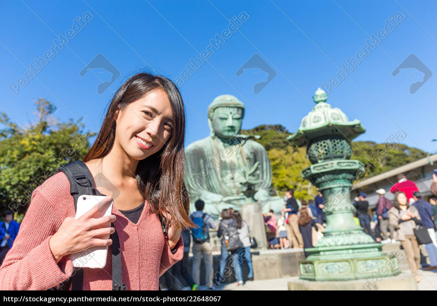 woman, travel, at, great, buddha, in - 22648067