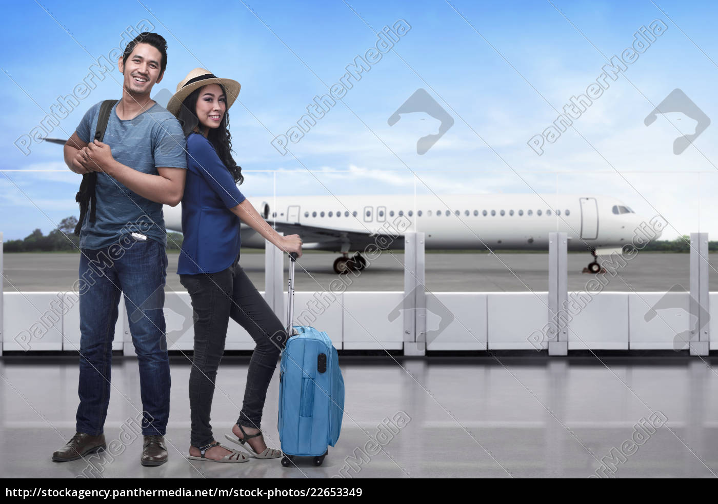 portrait, of, asian, tourist, couple, with - 22653349