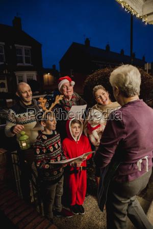 family, carol, singing - 22658541