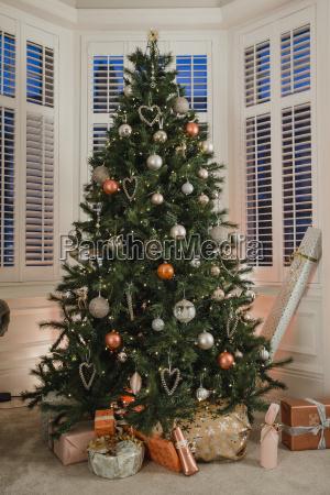 looks, like, santa, has, been! - 22658535