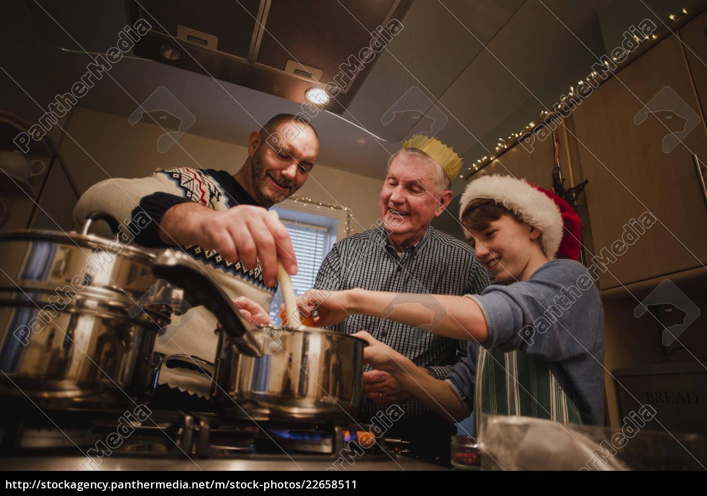 making, christmas, dinner - 22658511