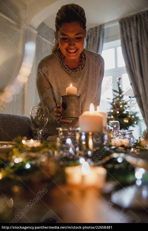setting, the, table, for, christmas, dinner - 22658481