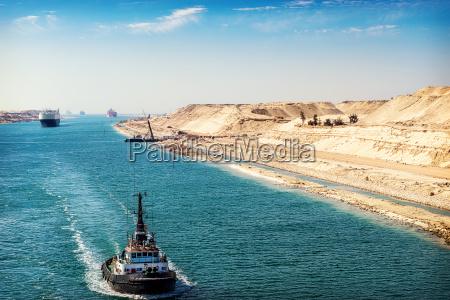 the suez canal a ship