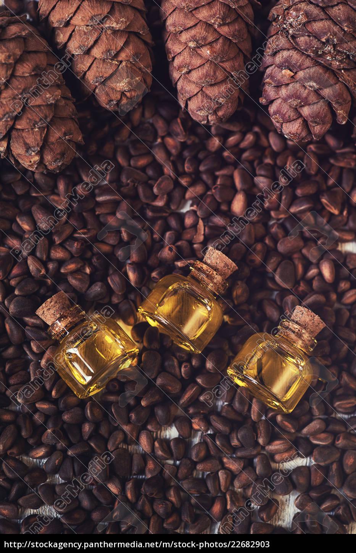 oil, of, cedar, nuts - 22682903