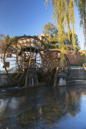 waterwheels lijiang unesco world heritage site