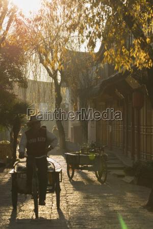 street scene lijiang unesco world heritage