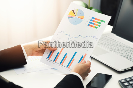 woman, at, office, analyzing, business, financial - 22686845