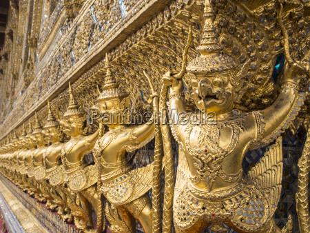 garudas wat phra kaew temple of