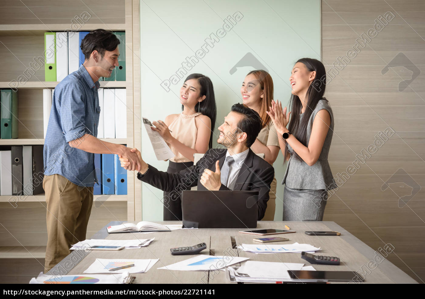 business, people, clapping, in, office, after - 22721141