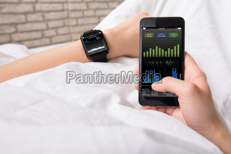 hands, with, smart, phone, and, watch - 22722189