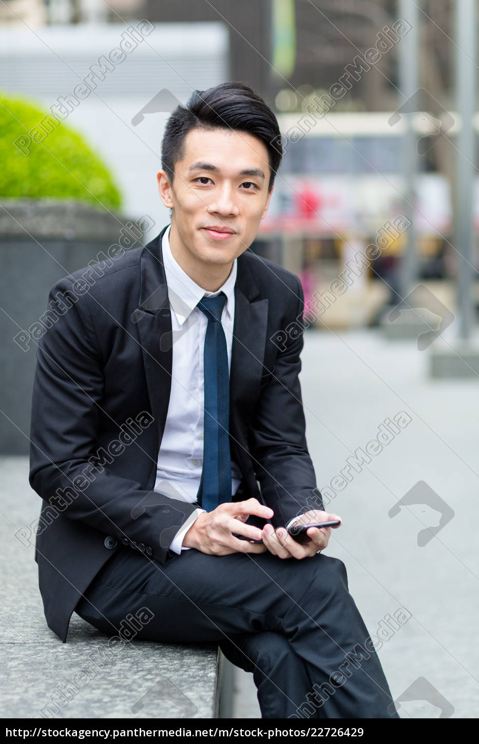 businessman, use, of, cellphone - 22726429