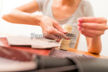 leather, handbag, making, in, a, workshop - 22726735