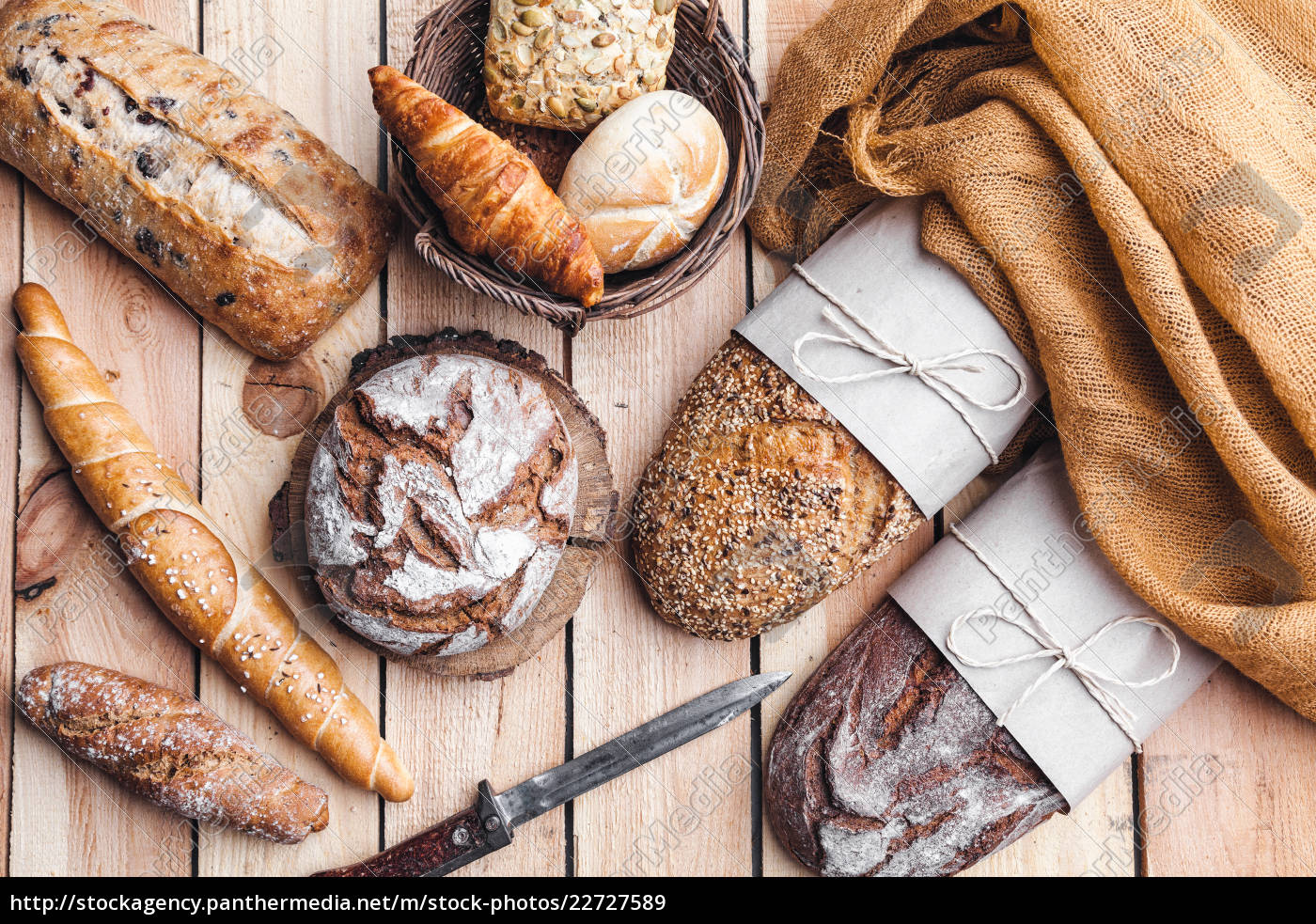 delicious, fresh, bread, on, wooden, background - 22727589