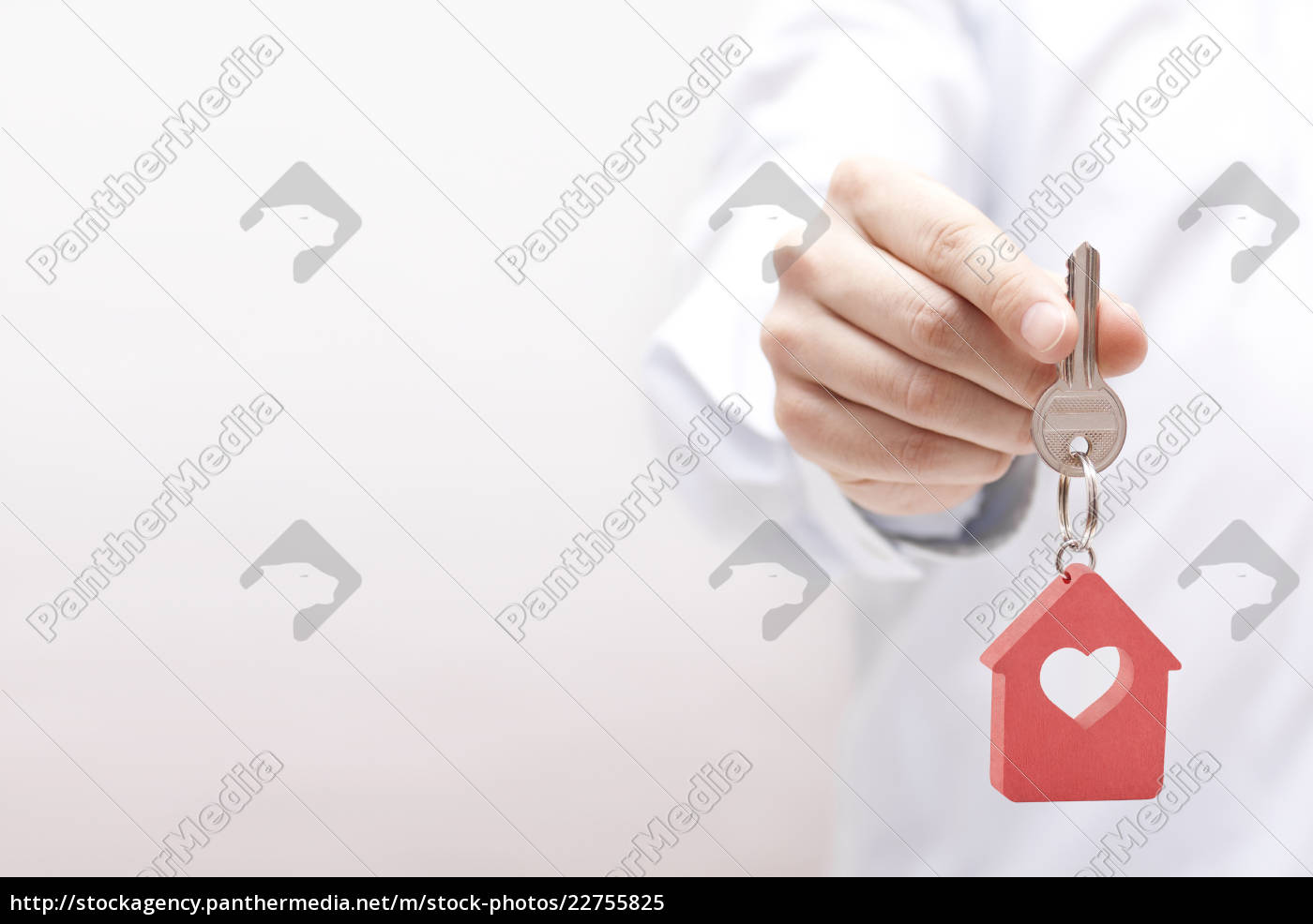 house, key, with, heart, in, hand - 22755825