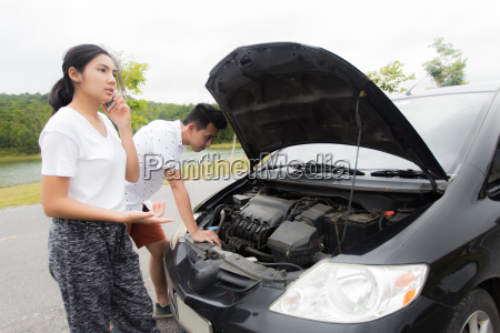 couple after a car breakdown at