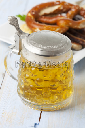 beer jug and nuremberg bratwurst