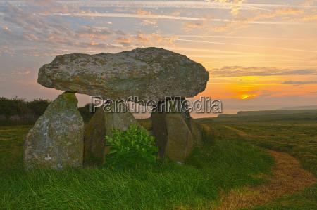 carreg samson dolmen at sunrise abercastle