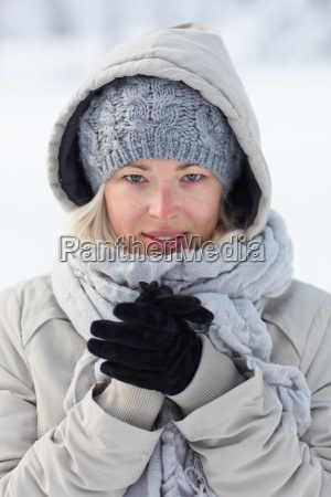 portrait of lady outdoor in snow