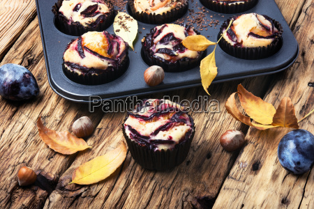 cupcake with plum