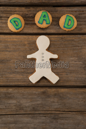 cookies with dad text on wooden