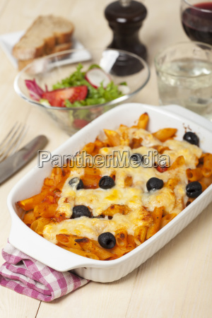 rigatoni with olives and wine