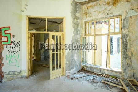 arquitectura interior ventana madera puerta horizontalmente