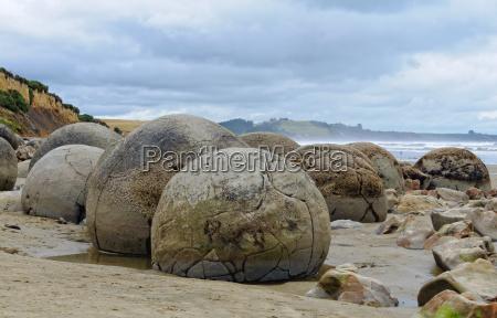 moeraki boulders 3 moeraki