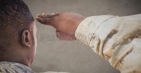digitaler verbund von zurueck von soldat