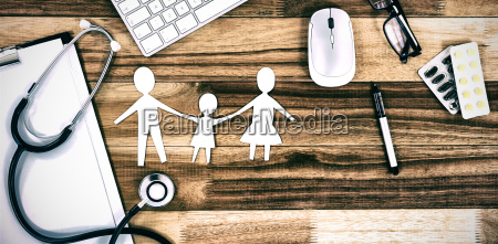 paper cut out family chain with