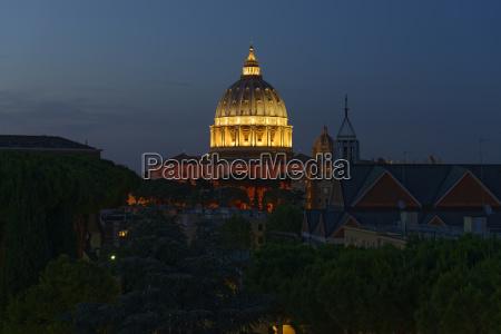 italy rome illuminated st peters basilica