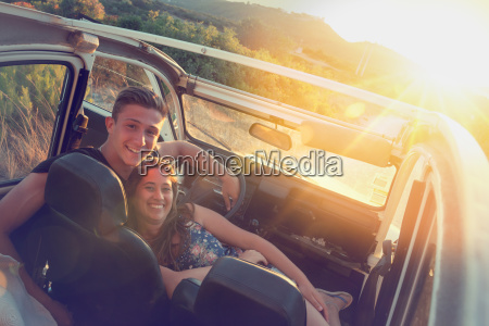 happy, couple, in, a, car - 23391016