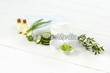 cucumber and aloe cosmetic cream face