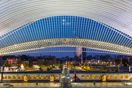 liege guillemins liege station train santiago