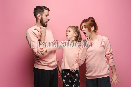 surprised, young, family, on, pink - 23452671