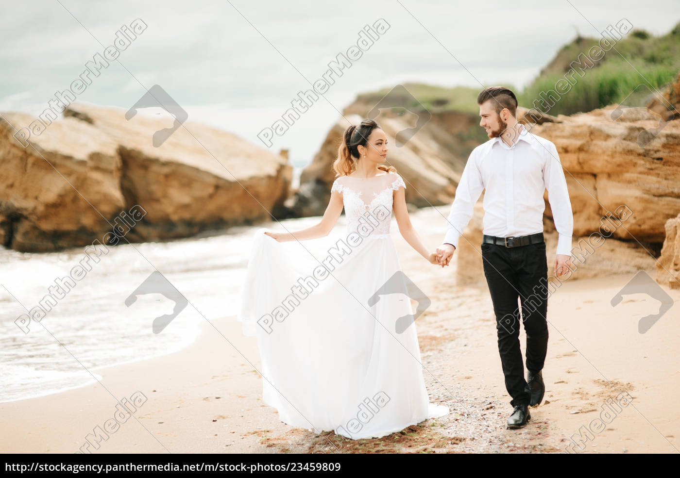 young, couple, groom, with, the, bride - 23459809