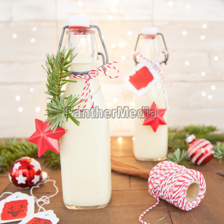 egg punch before christmas decoration
