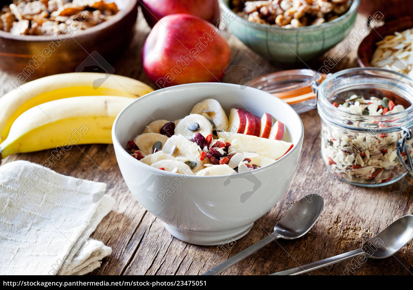 healthy, yogurt, with, cereal, and, fruits - 23475051