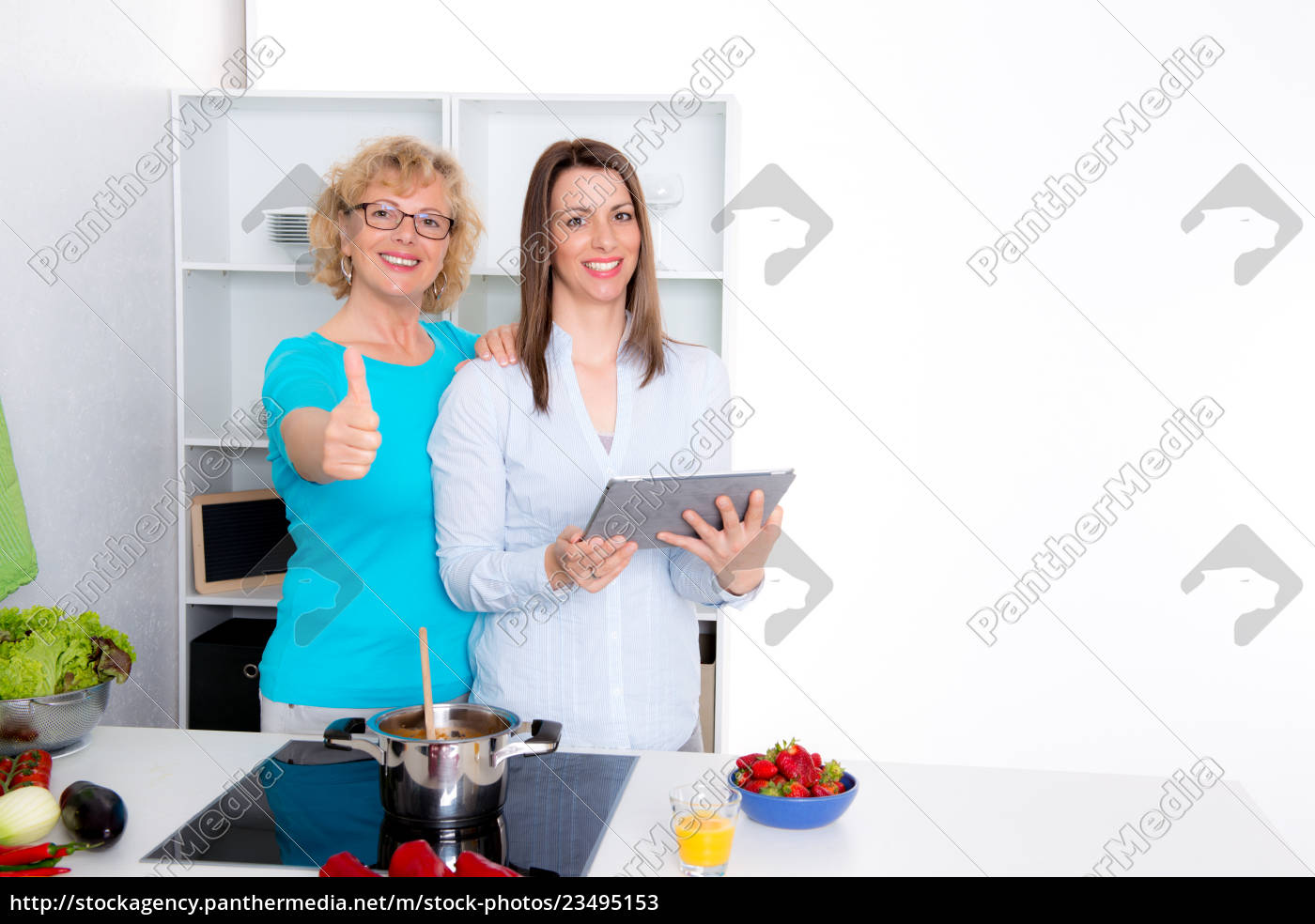 young, woman, and, her, mother, together - 23495153