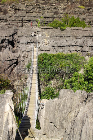 hanging bridge in tsingy national park