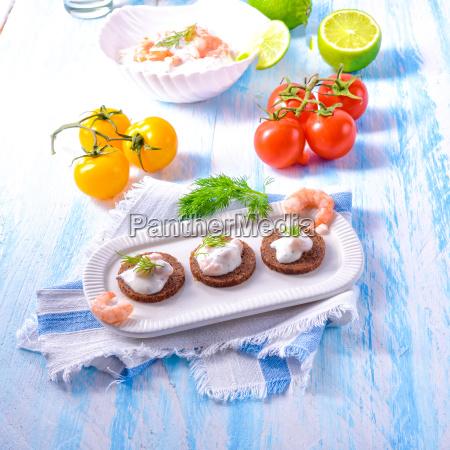 North Sea shrimp, North Sea, healthy, lunch, vegetables, fresh - 23576928