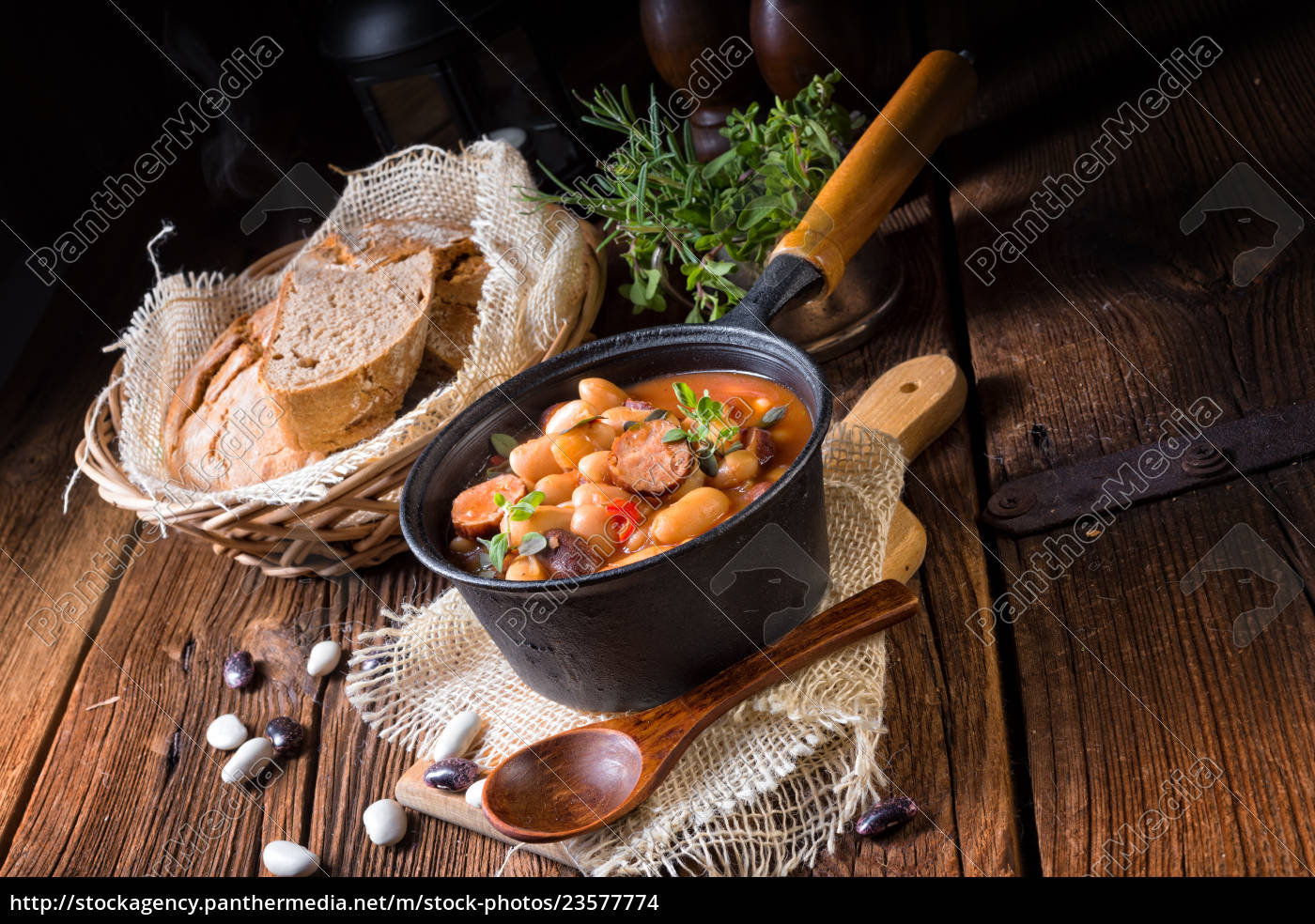 polish, baked, beans, with, sausage - 23577774