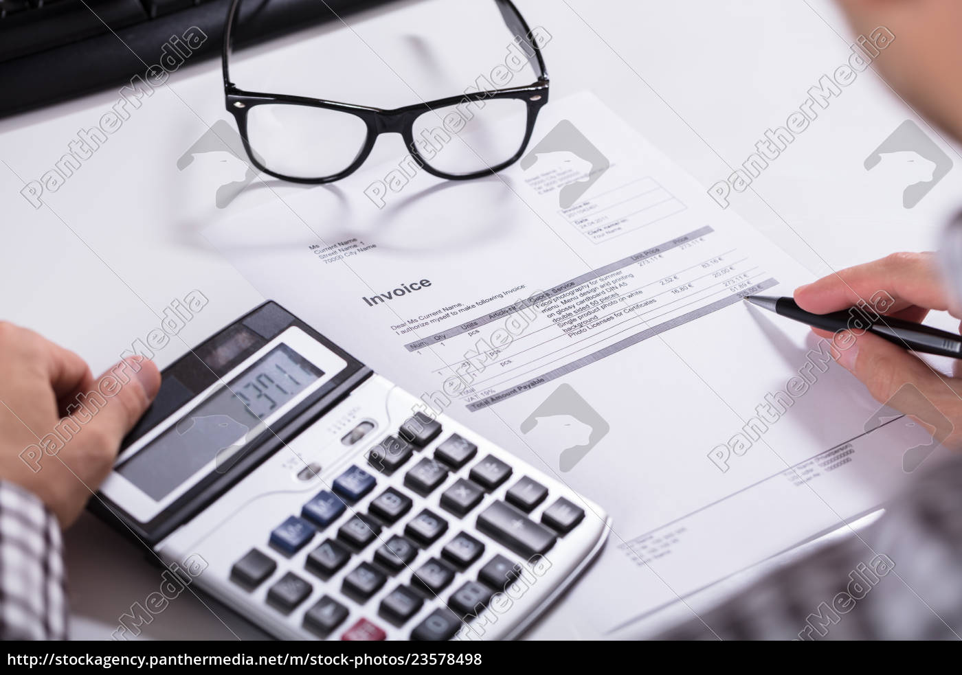 businessman's, hands, calculating, invoice - 23578498